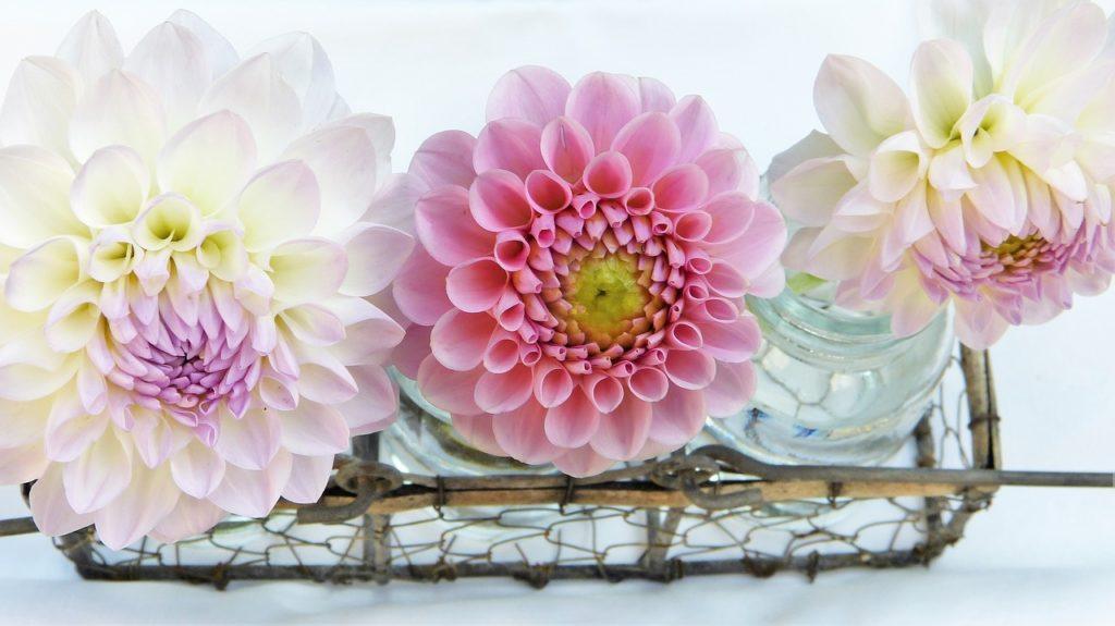 Künstliche Blumen Deko